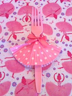 how-to make a tutu fork with a cupcake liner