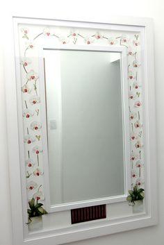 Quadro com espelho trabalhado na técnica arte francesa R$550,00
