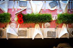 Retro Picnic-Style Table Setting