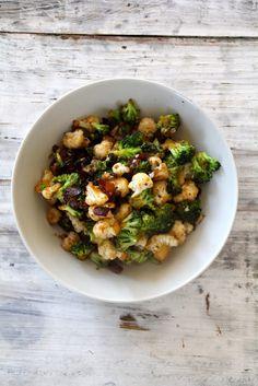 Brokkoli, blomkål og bacon med balsamico - Mat på bordet