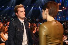 Josh looked a little annoyed with Shailene - Hmm wonder she said to make him that face
