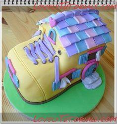How to make shoe house cake
