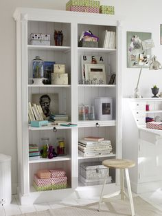 Storage, my fabric would look beautiful on this shelf!