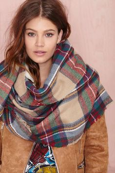 can we talk about this amazing plaid scarf? perfect for fall
