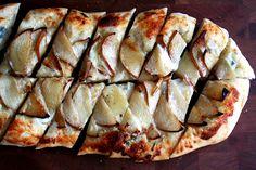 pera gorgonzola pizza