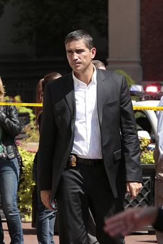 Reese (Jim Caviezel) is sidelined by a direct order from Captain Moreno, on PERSON OF INTEREST, Tuesday, Oct. 21 (10:01-11:00 PM, ET/PT) on the CBS Television Network. Photo: Giovanni Rufino/Warner Bros. Entertainment Inc. © 2014 WBEI. All rights reserved.