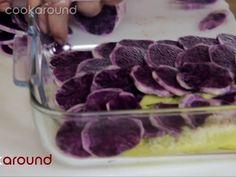 Patate a strati | Cookaround  Video ricetta delle patate a strati cotte in pirofila nel forno, alternando strati di classica patate a vitelotte, detta anche patata viola