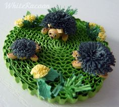 WhiteRacoon's handcrafts blog: Hedgehogs - miniature, quilling
