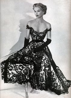 Lisa Fonssagrives-Penn  I miss this elegant beauty we don't have anymore the fashion the hair is just beautiful fashion, lisa fonssagrivespenn, the dress, 1950s dress, gown, hatti carnegi, vintage collections, stunning dresses, lace dresses