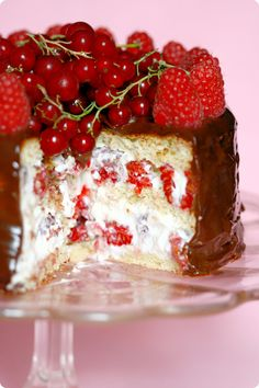 Raspberry, almond and cream layer cake
