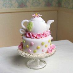 pink  yellow dotted teapot mini cake