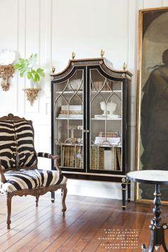 Ebanista Furniture