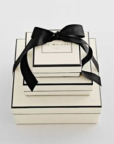 gift boxes, gift wrapping, fragrances, treasur, black white