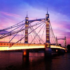 The bright evening sky lights up Albert Bridge, #London 25°C I 77°F #BurberryWeather