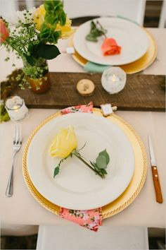 A rose for each guest at rustic wedding place setting. Captured By: Ryan Price ---> http://www.weddingchicks.com/2014/06/02/no-cellphone-service-colorado-wedding/