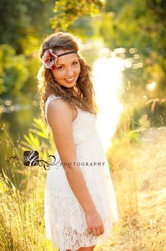 Senior Girl.....love the light! ♡ Photo Session Ideas | Props | Prop | Senior Photography | Seniors | Pose Idea | Poses | Seniors