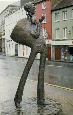 Bronze statue of William Butler Yeats located outside the Ulster bank on Stephen Street in Sligo, created by Rohan Gillespie