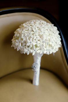Sparkling Stephanotis Bouquet ~ Photography by robertandkathleen.com, Floral Design by pedestalsflorist.com