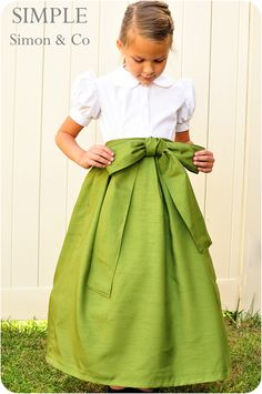 Free Beautiful Holiday Skirt Tutorial and Pattern...