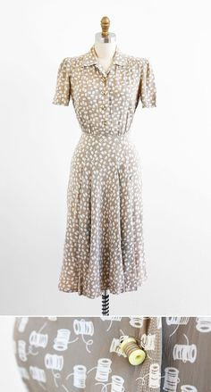 Vintage 1940s novelty print dress with tiny spool buttons - adore! #sewing #1940s #fashion #vintage