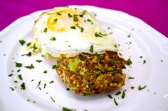 Zucchini and Bulgur Cakes. An easy and healthy breakfast solution!