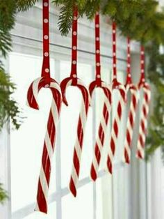 Inexpensive Christmas decorating