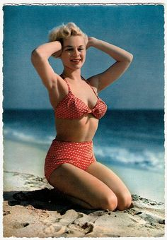 Pretty in summery polka dots. #vintage #beach #summer #pinup #1950s