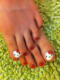 """Hello Kitty Toes for """"K"""""""
