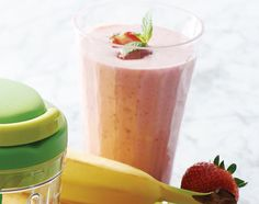 Tupperware Strawberry Banana Smoothie with Smooth Chopper-  Ingredients 3/4 cup (3 oz./85 g) sliced frozen strawberries 1 small banana, peeled and broken into chunks 1 cup 2% milk 1/2 cup low-fat vanilla frozen yogurt