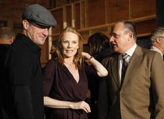 The cast and crew of CSI celebrate their 200th episode