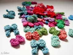 Tiny crochet bows....tutorial in French