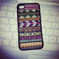 Cross stitch iphone case... now if they only made one for my phone :(