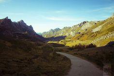 [Explore Abr 13, 2012 #171] Walkin' through the valley