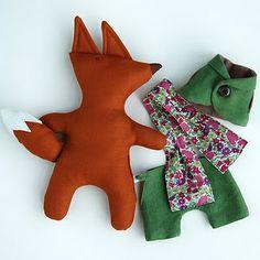 Mr Fox in Dandy Green Suit - The Linen Cat