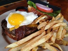 Burger at Kuma's Corner (Chicago, IL). #UniqueEats #burgers