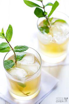 Sparkling Ginger Mint Julep Recipe | gimmesomeoven.com