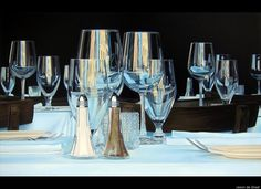 Jason de Graaf's Hyper-Realistic Paintings