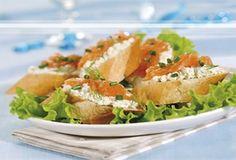 Kanapki z serem i łososiem/ Sandwiches with cheese and salmon, www.winiary.pl
