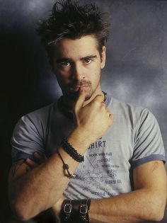 Colin Farrell such an intense young thang