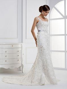 Elegant Sleeveless with Natural waist wedding dress