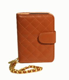This is my EVERYDAY @Park Avenue Accessories™ #ClassicSixWristlet. It goes will all my spring outfits because I always throw in #cognac somewhere!