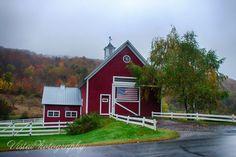 Red barn in Pomfret Vermont