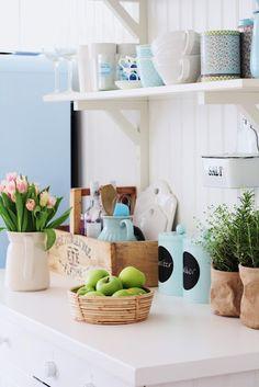shelf. brackets. // laundry room