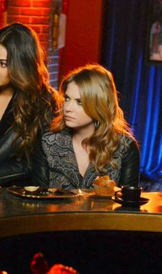 "Hanna's Ecote Tapestry Mix Moto Jacket Pretty Little Liars Season 4, Episode 24: ""A is for Answers"""