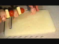 Brochetas de pollo con verduras en estuche de vapor Lékué