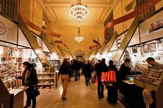 Still holiday shopping? Take a look at the shops in Grand Central, Bryant Park, Union Square and more! http://renegadechicks.com/stocking-stuffer-this-holiday-markets/