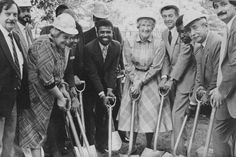 On May 14, 1985, President Schwerin and Borough President Hower Golder, together with community representatives and members of the CUNY Board of Trustee, wielded shovels to begin the Master Plan construction.