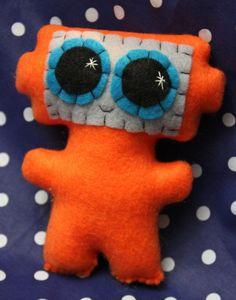 Sew:  plush robot pillow/ stuffed toy