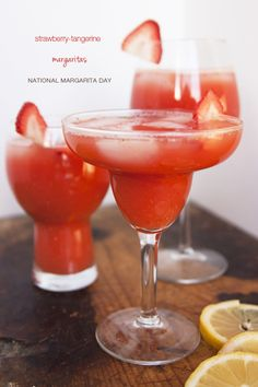 Strawberry-tangerine margarita