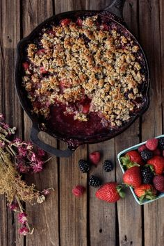 Grain-Free Mixed Berry Crisp (Vegan) | Free People Blog #freepeople